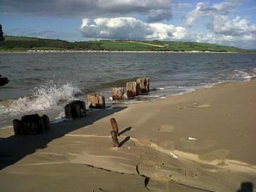 Ship wreck at cefn sidan